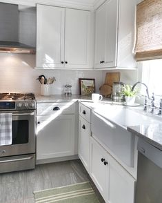 Good morning! We were so fortunate the previous owners did such a lovely kitchen reno. I just simplified the window treatments and painted  Off to Vermont to see what new projects my folks have been working on. Have a happy Wednesday!