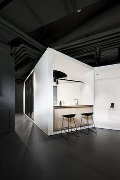 Image 3 of 27 from gallery of Showroom Schüco / Kuklica x Smerek Architekti + Juraj Hubinský. Photograph by Studio Flusser