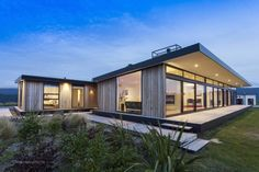 Best Ideas For Modern House Design : – Picture : – Description 338 Worsleys by Young Architects via onreact Retreat House, Rural House, Architecture Résidentielle, New Zealand Houses, Casas Containers, Timber Cladding, Timber House, Timber Deck, Outdoor Areas