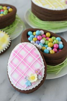 Beautiful and delicious Easter Dessert Ideas! A beautiful collection of spring and Easter dessert recipes, including cakes, cupcakes, cookies, snacks and more! No Egg Cookies, Easter Cookies, Easter Treats, Christmas Cookies, Desserts Ostern, Cookie Box, Cookie Ideas, Easter Recipes, Easter Desserts