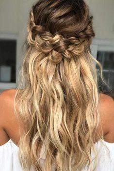 Half up half down hairstyles became popular recently. Probably the most famous type of it is alien buns, which by the way look super cute.In order to get inspired for Christmas, see our collection of ideas.#hairstyle#halfuphalfdown#longhair