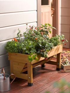 Pin by sati sharon on outdoor патио, дизайн. Diy Planters Outdoor, Deck Planters, Trough Planters, Planter Ideas, Wooden Planters, Elevated Garden Beds, Raised Garden Beds, Raised Beds, Entrance Decor