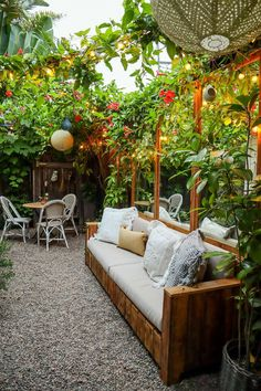 Small Courtyard Gardens, Small Courtyards, Small Gardens, Small Garden Oasis, Small Patio, Small Back Garden Ideas, Small Cottage Garden Ideas, Indoor Courtyard, Small Outdoor Patios