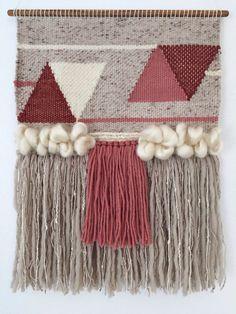 Hand Woven Wall Hanging / Tapestry / Weaving // door WovenLaine