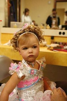 Toddlers and Tears: The sexualization of young girls | Deseret News