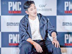 PMC Asian Actors, Korean Actors, Jung Woo, Men's Hair, Handsome, My Favorite Things, Stars, My Love, Hair Styles