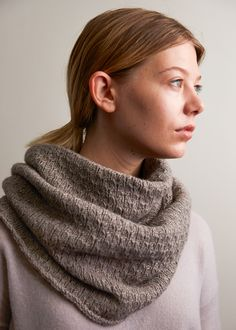 Thorn Stitch Cowl | Purl Soho Knitting Stitches, Knitting Patterns Free, Free Knitting, Cowl Patterns, Knitting Scarves, Finger Knitting, Knitting Machine, Free Pattern, Charity Knitting