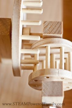 clock design ideas 446700856793504327 - Mechanical Engineering For Kids – da Vinci inspired STEM Source by michecath Woodworking For Kids, Woodworking Projects, Stem Projects, Wood Projects, Da Vinci Inventions, Wooden Gears, Wood Games, 3d Cnc, Kinetic Art