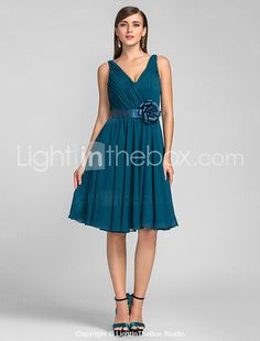 TS Couture® Cocktail Party / Wedding Party Dress - Short Plus Size / Petite A-line / Princess V-neck Knee-length Chiffon withDraping / Flower(s) / 2017 - $69.99