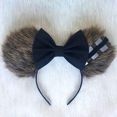 DIY Disney Ears Crafting Tutorial - Ideas of Star Wars Outfits - chewbacca ears so so cute fun star wars mickey mouse ears Disney Diy, Disney Cute, Walt Disney, Diy Disney Ears, Disney Mickey Ears, Disney Crafts, Mickey Ears Diy, Mini Mouse Ears Diy, Disney Magic