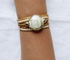 Lot 5 Bracelets perles dorées blanches fait main : Bracelet par kiline