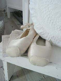 Finally White: The magical charme of the old things.......!!!