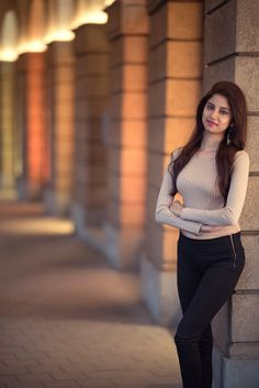 The basic principles of achieving a beautiful, elegant look that is timeless are quite simple. Stylish Photo Pose, Stylish Girls Photos, Stylish Clothes For Women, Stylish Girl Pic, Cute Girl Photo, Girl Photo Poses, Girl Photos, Sexy Jeans, Casual Outfits Summer Classy