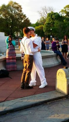 When Lieutenant Kyle Bandermann popped the question to his longtime boyfriend, he had no idea that one photo from the special day would quickly be seen by over 2 million people.
