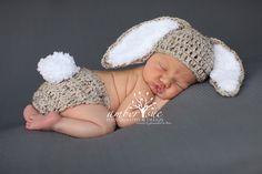 Del ganchillo bebé sombrero Pascua conejito orejas por LocustTree