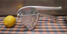 Rare Presse citron Cocco / Vintage Wear ever Juicer / Aluminum hand press juicer / Press citrus-fruit cast aluminum de la boutique LaMachineaBrocantes sur Etsy