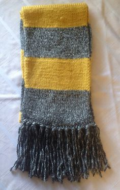 Vintage Hufflepuff scarf (Fantastic Beasts and Where to Find Them)