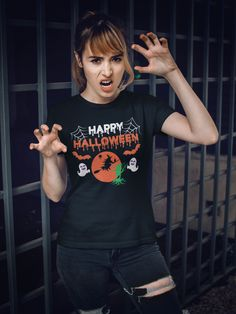 Sport this funny Jack O Lantern Halloween themed tshirt on October Its perfect as a funny scary costume, or as a Halloween gift. Adult Halloween Party, Halloween Party Decor, Halloween Gifts, Easy Halloween, Halloween Themes, Presents For Boyfriend, Presents For Men, Scary Costumes, Halloween Costumes