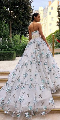 36 Floral Wedding Dresses That Are Incredibly Pretty ♥ Our gallery of floral wedding dresses are for non traditional brides. These unique and stylish gowns are for brides, who looking for something different. Unique Dresses, Elegant Dresses, Pretty Dresses, Ball Dresses, Ball Gowns, Evening Dresses, Bridal Gowns, Wedding Gowns, Wedding Bride