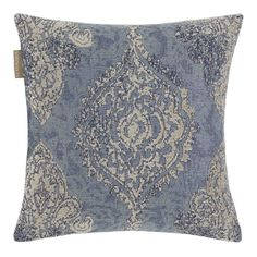 This cushion cover with jacquard weave has a revisited baroque style pattern. Its velvety patina appearance and its medallions gives it an incomparable richness and a very contemporary neoclassic style. Available in three colours.