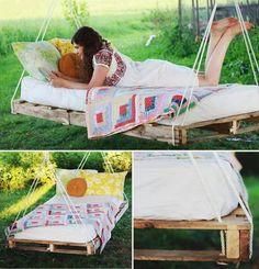 DIY Pallet Bed Swing outdoors diy craft crafts diy furniture how to tutorial craft furniture Hanging Pallet Beds, Pallet Swing Beds, Diy Pallet Bed, Diy Hanging, Pallet Daybed, Diy Swing, Outdoor Pallet, Pallett Bed, Pallet Swings