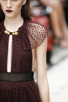 Burberry Prorsum Spring 2016 Ready-to-Wear Accessories Photos - Vogue Runway Fashion, Spring Fashion, High Fashion, Fashion Beauty, Fashion Show, Fashion Trends, London Fashion, Burberry Prorsum, Haute Couture Style