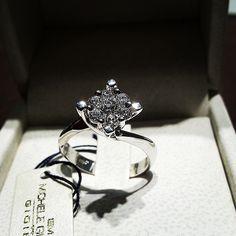 #anello #oro #bianco #diamanti #valentino #magic #fidanzamento #gioielli #importante #gold #ring #White #diamond #engagement #jewels #goldsmith #princess