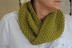 Cuello de lana tejido a punto de arroz by ChorusLains. Más en facebook/ChorusLains