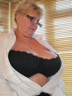 Big tits retro pics
