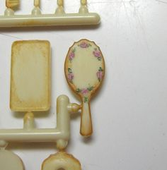 Tutorial - how to paint a commercial vanity accessoriy kit