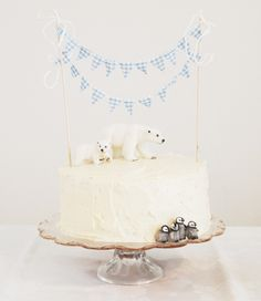 Winter Wonderland Cake & bunting