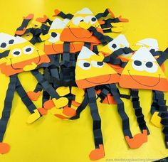 Easy and FUN Fall Crafts Idea for children - Candy Corn Paper People. The kids in school LOVED making these.