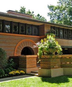 Arthur B. Heurtley House designed by Frank Lloyd Wright :  great tv show about restoring this house.
