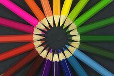 Een kleurpotlood is een potlood met een gekleurde tekenstift. Het is in 1908 ontwikkeld uit het markeerpotlood.