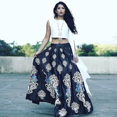 Festive post on the blog ft. @flyrobe  Have a super Sunday! See you today at the @inglot_india Store, Palladium from 5pm - 7pm   www.thestyledge.com  love the skirt!!!!