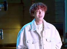 J-Hope☀️180310 [BTS ÉPISODE] 1st MV Shooting #HopeWorld #Airplane ✈️ #BTS #방탄소년단