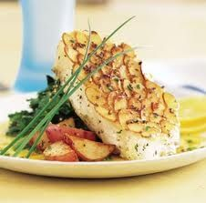 Baked Fish Almondine Recipe - Steak gotten old? Then try this crunchy fish as an alternative. Your family won't even miss the steak and chicken. #recipes #bakedfish