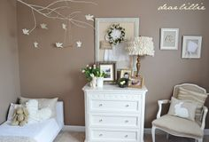 I love the classy neutral and white decor, similar to what I want to do for Baby S!
