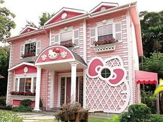 The Hello Kitty Hotel in Taiwan is an actual hotel everyone can visit all throughout the year. Situated in Hsinchu, Taiwan this architectural masterpiece serves as the best spot to live out your wildest Hello Kitty fantasies.