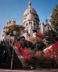 Sacré Coeur Montmartre Romantic Paris, Beautiful Paris, Beautiful Castles, Beautiful Buildings, Places Around The World, The Places Youll Go, Places To Go, Around The Worlds, Montmartre Paris