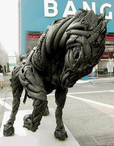 Artista transforma pneus velhos em esculturas impressionantes | Catraca Livre