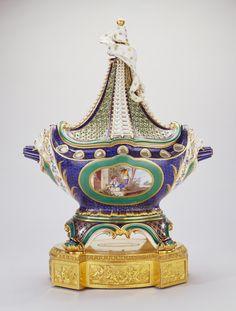 Can you imagine putting your potpourri in THIS? Pot-pourri vase and cover (pot-pourri à vaisseau or pot-pourri en navire) | The Royal Collection