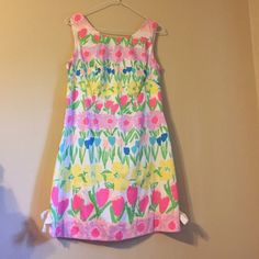 Lilly Pulitzer shift dress Bows on side. Neon zipper detail. Bundles available! Lilly Pulitzer Dresses