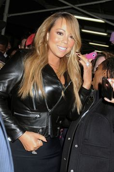 Mariah Carey Photo - Mariah Carey Greets Fans in NYC
