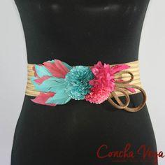 Cinturon Decorado 05_01 En Stock, Clothing Hacks, Fashion Belts, Gem S, Fall Trends, Belts For Women, Fabric Flowers, Collars, Jewelery