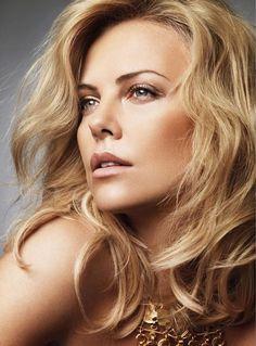 Un blond doré comme Charlize Theron sans passer par le salon de coiffure? C'est possible. Visitez Mycouleur.com et vous serez informée en exclusivité de nos nouveaux produits
