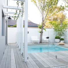 Having a pool sounds awesome especially if you are working with the best backyard pool landscaping ideas there is. How you design a proper backyard with a pool matters. Small Backyard Patio, Backyard Pool Landscaping, Backyard Patio Designs, Swimming Pools Backyard, Landscaping Ideas, Coastal Landscaping, Backyard Ideas, Hampton Pool, Outdoor Rooms