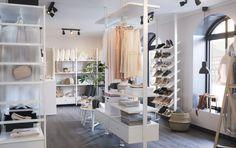 ELVARLI combinatie | IKEA IKEAnederland wooninspiratie inspiratie nieuw opbergen kleding garderobekast kast walkincloset