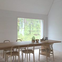 Woodnotes oak Siro+ chairs around dining table. Dining room. Wooden chairs. Modern. Design. Architecture. Inspiration. Interior design by Ulla Koskinen. Asuntomessut 2016 Talo Koskela.
