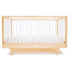 Lit bébé évolutif Design Caravan Kalon studios.  En vente ici ! http://www.range-ta-chambre.com/berceau-lit-bebe-et-lit-junior/1743-lit-bebe-caravan-kalon-studios-blanc.html